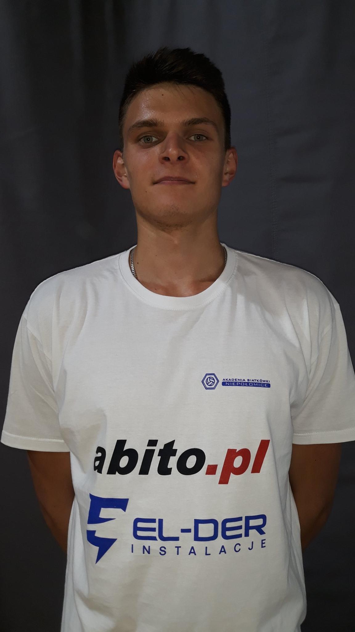 Jakub Duda Pozycja: Atakujący Wiek: 19 Wzrost: 194 cm