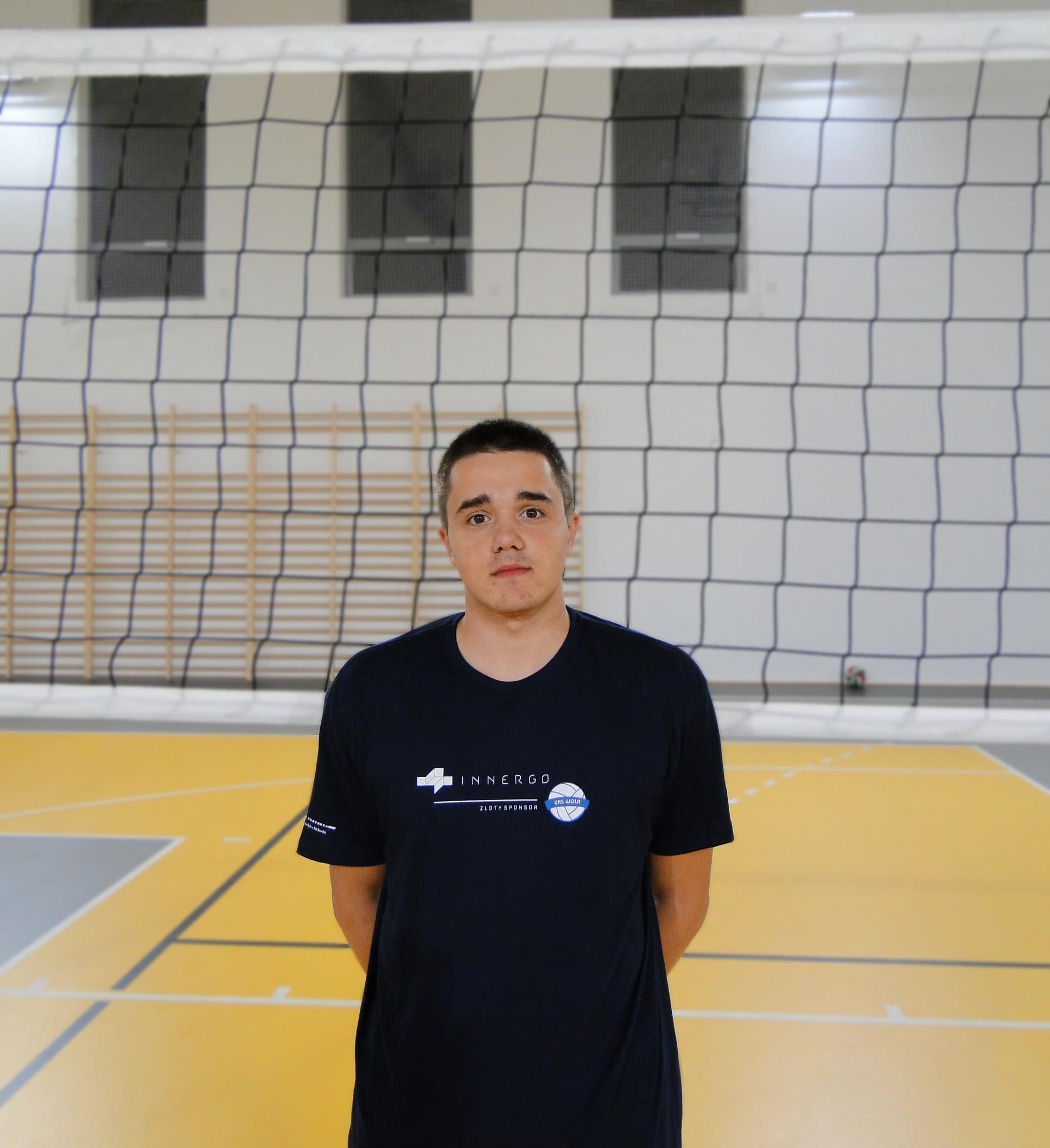 Damian Mech Wiek: 18 Wzrost: 180 Pozycja: przyjmujący