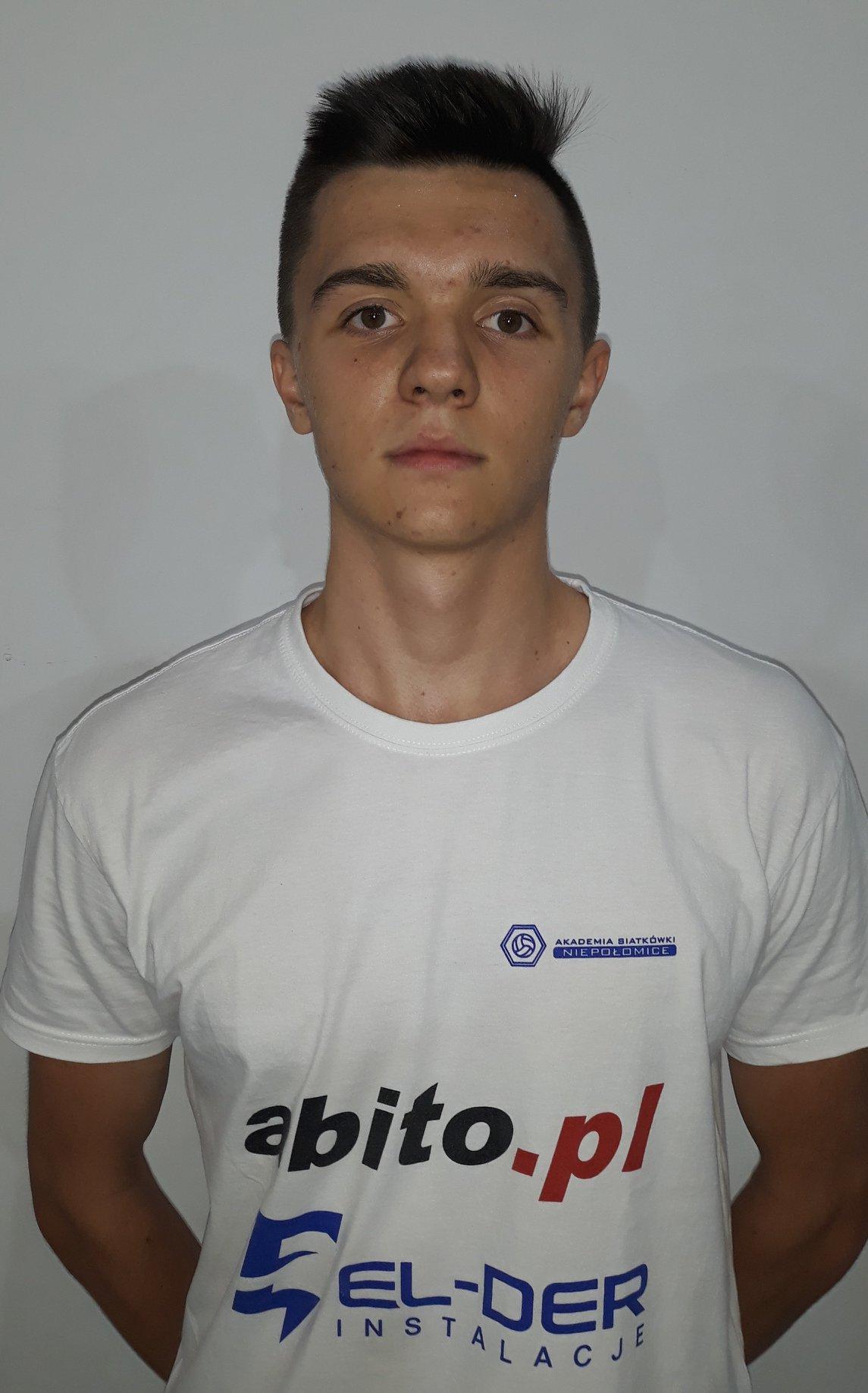Maciej Sendorek Pozycja: Libero Wiek: 17 Wzrost: 188 cm