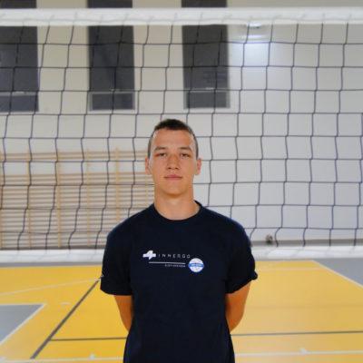 Dawid Zieleń Wiek: 19 Wzrost: 190 cm Pozycja: atakujący