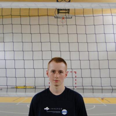 Kamil Kącki Wiek: 18 Wzrost: 177 cm Pozycja: rozgrywający