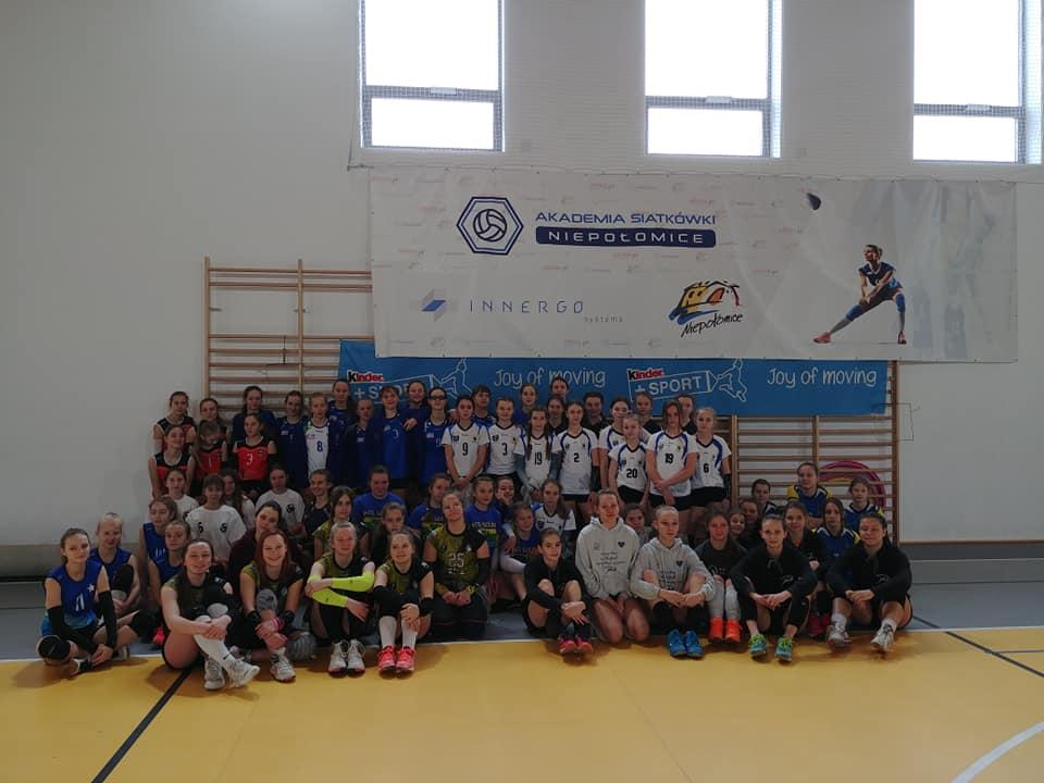 Eliminacje Kinder+Sport w kategorii czwórek dziewcząt