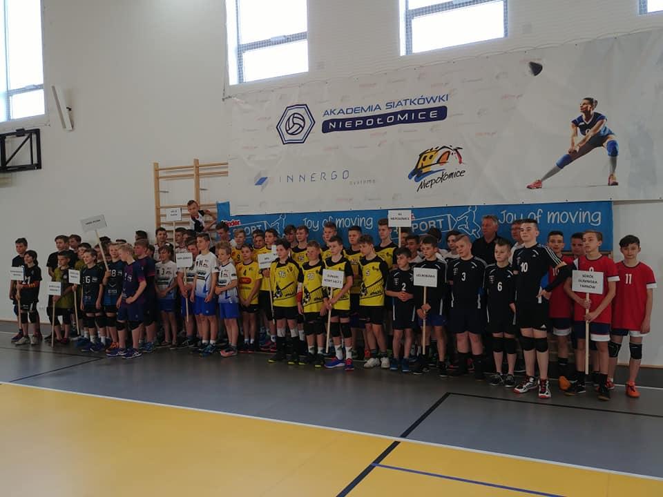 Udział w rozgrywkach mini  siatkówki Kinder+Sport